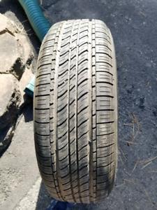 Un pneu d'été avec jantes neuf  195/65/R15