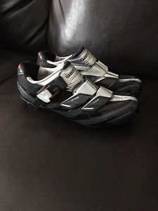 Souliers Shimano R191