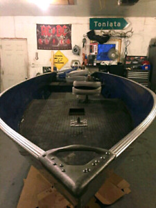 16 ft alumarine with a 35hp evinrude