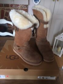 Dauphine Ugg Boots size 7.5