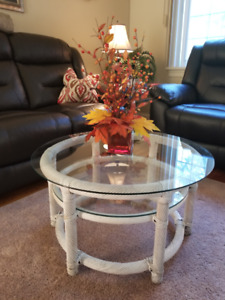 Decorative  Wicker/Glass Table (Round)