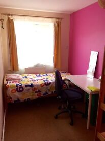 1 bedroom flat close to University and Tesco