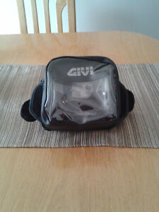 Support pour GPS universel Givi