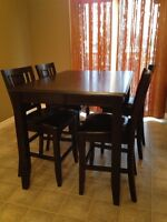 Expandable dining room table plus 6 chairs
