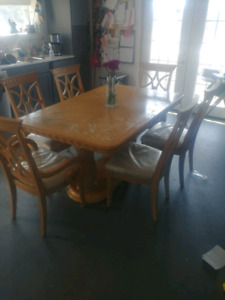 Table with 6 chairs. Make me an offer!