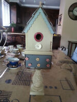 VERY ORIGINAL ANTIQUE BIRD HOUSE WITH DOOR OPENING