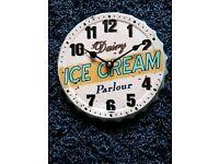 Trendy metal 18cm clock like a bottle cap