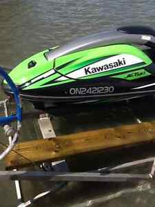 Kawasaki SXR 800 Stand up jet ski and lift