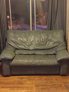 Set of Italian leather couch and loveseat West Island Greater Montréal image 1