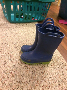 Rubber boots, size 9 toddler