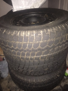 Dodge Dakota Winter Tires on Rims 245/70R16 Good Condition