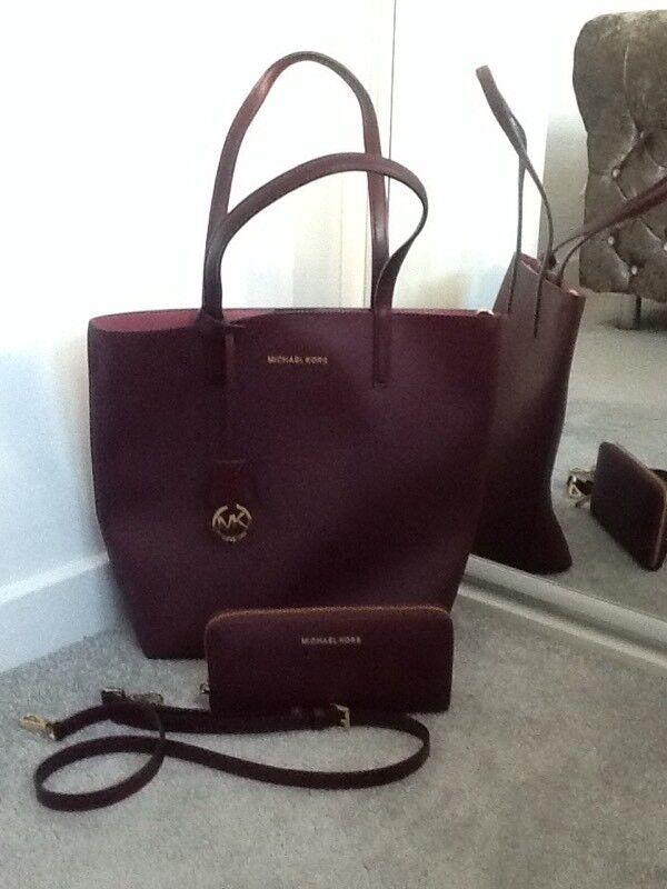 4bcc1babbb3c Michael kors burgundy handbag  purse set Imaculate condition