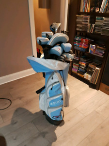 Golf bag clubs and shoes