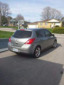 2011 Nissan Versa 1.8s *only 89 000 kms
