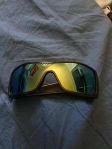 OAKLEY CUSTOM BATWOLF $150