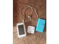 Gold IPOD touch 6th gen 32gb