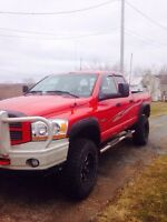 2006 Dodge Ram LIFTED 4x4