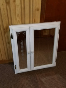 Bevelled/Etched glass cabinet