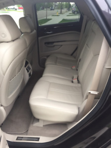 2105 Cadillac SRX Luxury Collection AWD