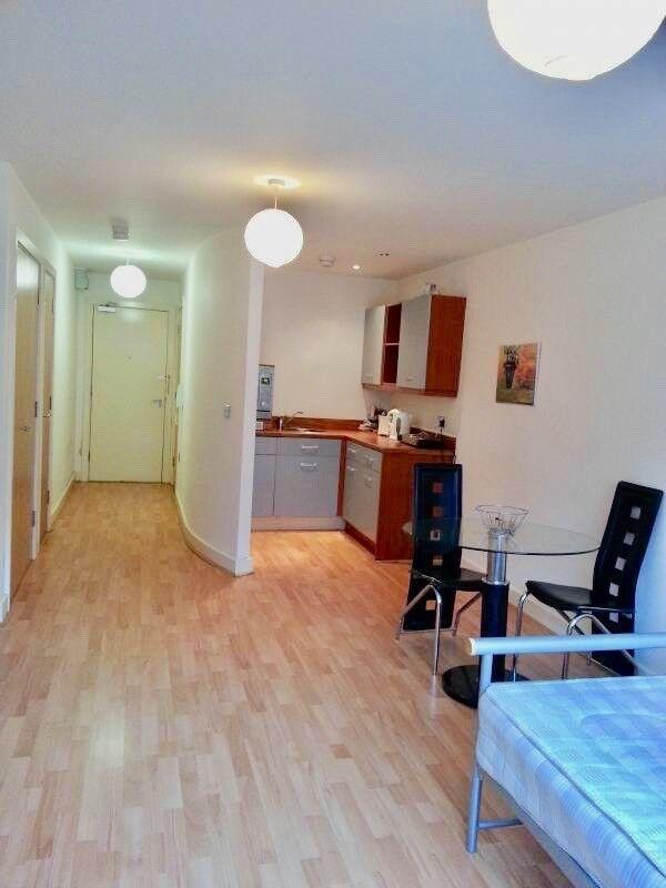 Stylish Spacious Studio Apartment Birmingham City Centre ...