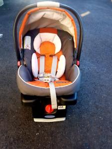 siège d'auto /baby car seat Graco