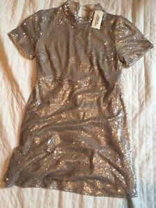 Forever 21 size 6 six gold dress