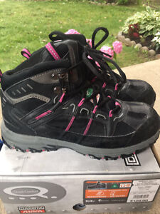 Women's Size 9.5 Steel Toe Safety Shoes MUST SEE!