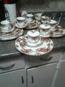 royal albert red rose china set with two extra cups saucers
