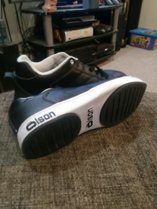 Mens 11 Olson curling shoes 60$ OBO (still available)