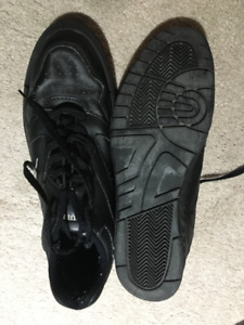 Mens curling shoes size 10