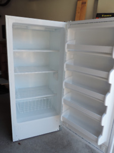 Frigidaire Stand Up Freezer (12.5 cubic ft)