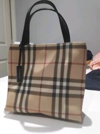 7509db736969 Genuine burberry bag and pruse