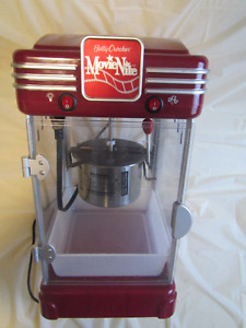 Betty Crocker Movie Nite Cinema Style Kettle Popcorn maker
