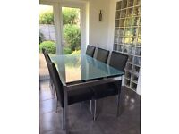 BARGAIN! Lovely dining table with 6 chairs