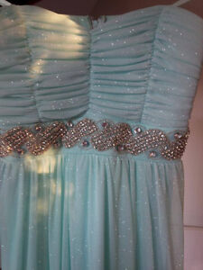 Women's Le Chateau evening gown- prom dress, size 13 Gatineau Ottawa / Gatineau Area image 3