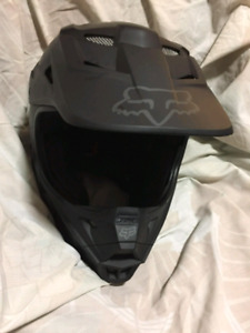 FOX V1 Dirt bike Helmet Brand New Size M