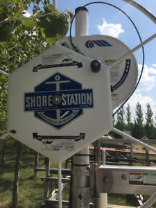 4000# Shore Station Boat Lift