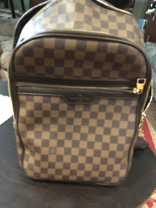 Authentic Louis Vuitton Bag-pack 700$ OBO