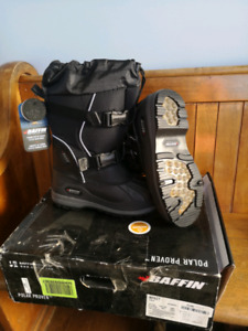 New with Tag Baffin Women's Impact Winter Boots Size 9