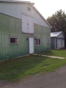 2.98ac +\- HOBBY FARM - BEST OFFER FOR QUICK SALE