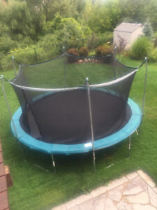 Trampoline with net 15 ft (with box & instructions)