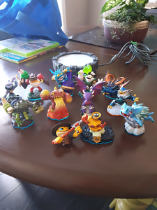 Skylander games and figures