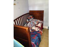 Children's cot / toddler bed