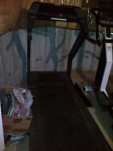 ******COMPLETE COMMERCIAL GYM EQUIPMENT FOR SALE ******