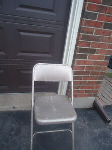 WELL MADE ALL METAL FOLDING CHAIR
