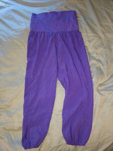 Size 6 OM Purple lululemon pants - Like New! such flair!