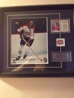 Jean Beliveau framed photo and game used jersey in card, pin 90$
