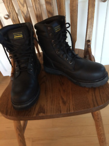 Mens steel-toed boots, size 10