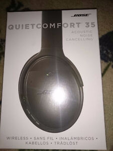 Bose QuietComfort 35 Wireless Headphones Black NEW
