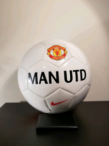 New Nike Manchester United Red Devils Soccer Ball Sz 5